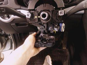 старинный блок управления рулевой колонки